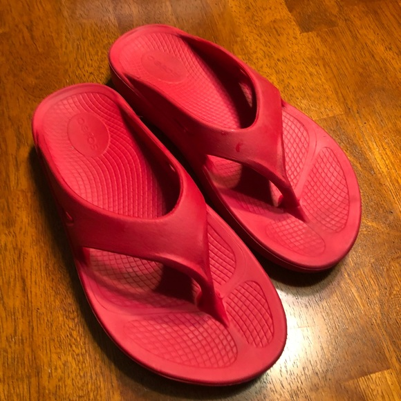 Oofos Sandals Red Flip Flop Style